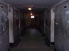 220px-Auschwitz_I_death_block_11_04