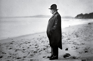einstein-on-the-beach.jpg